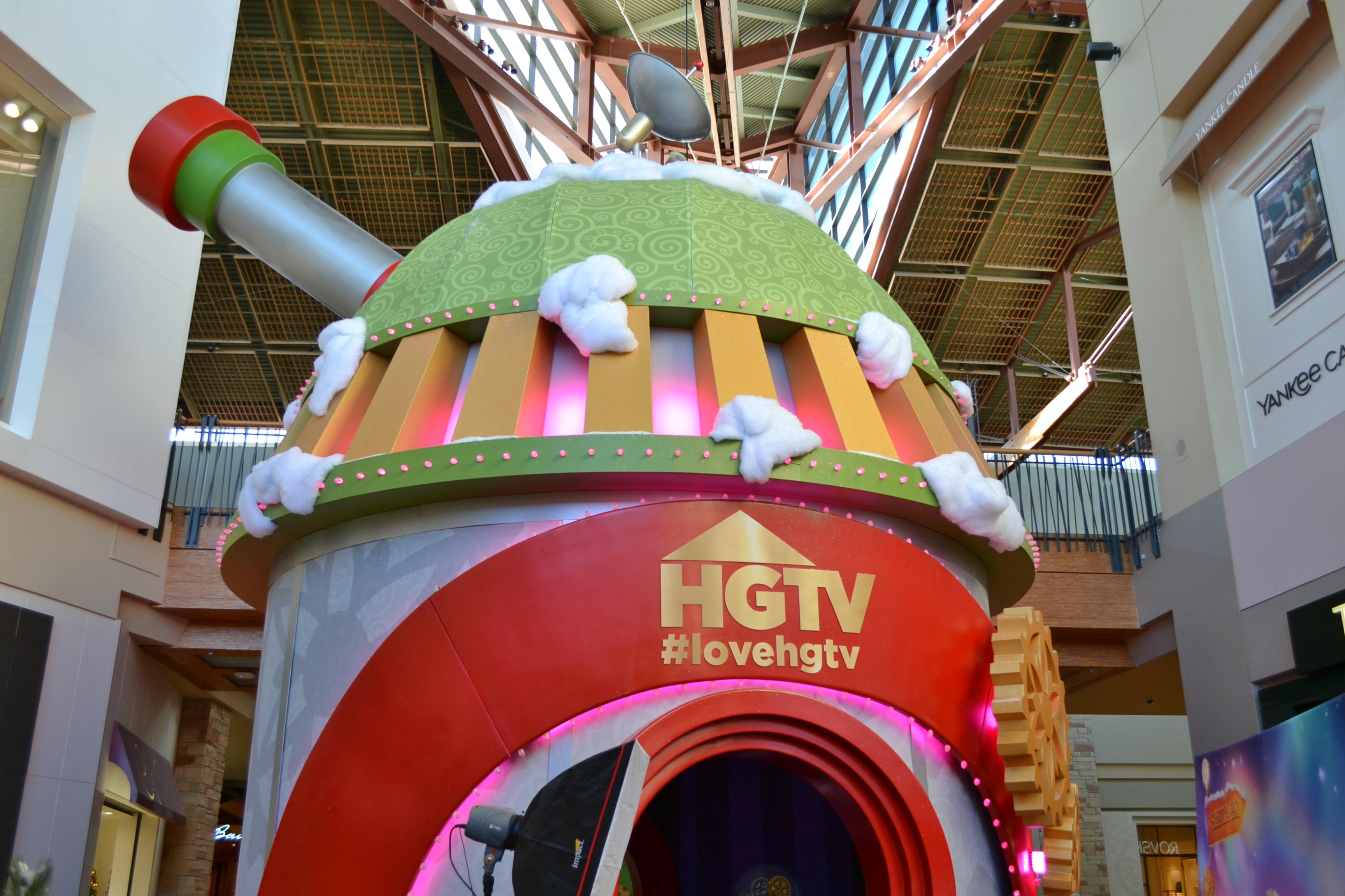 HGTV Santa